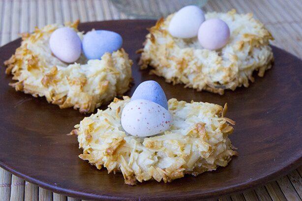Easy Easter Bird's Nest Dessert - Kid Friendly Recipe