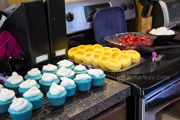 smurf cupcakes strawberry shortcake
