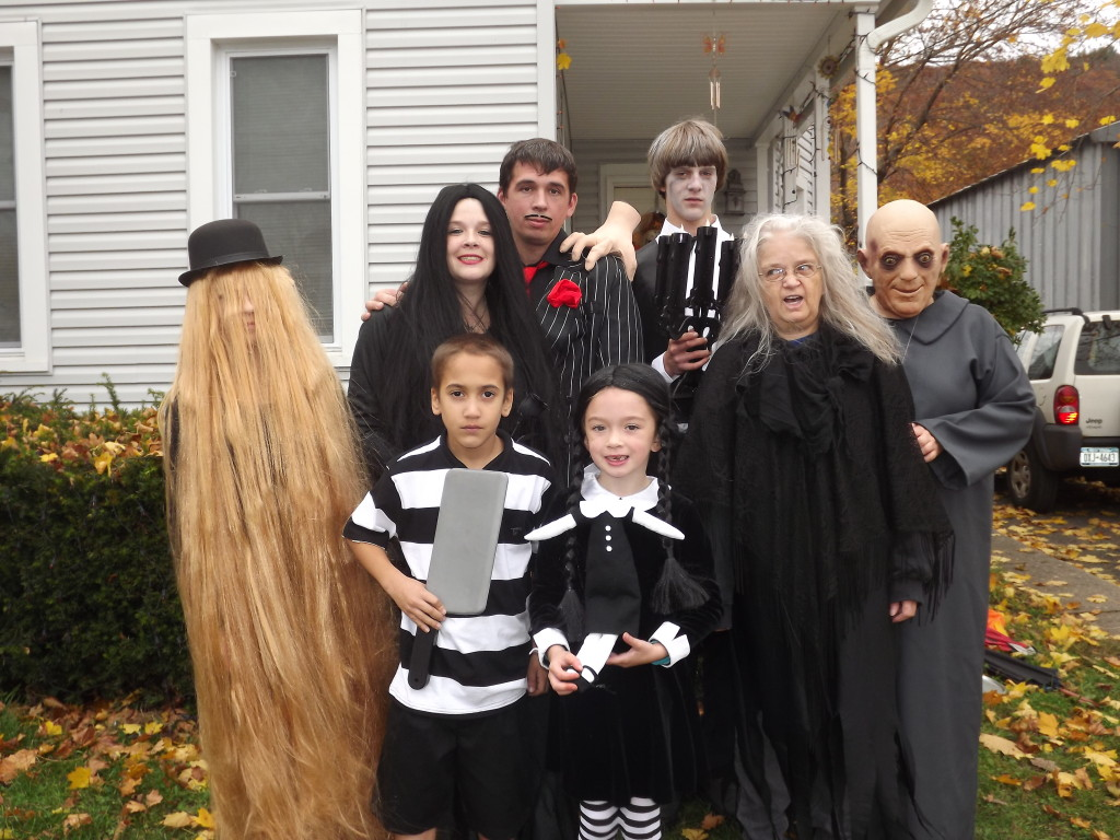 40 of the Best Family Costumes Ideas for Halloween — JaMonkey