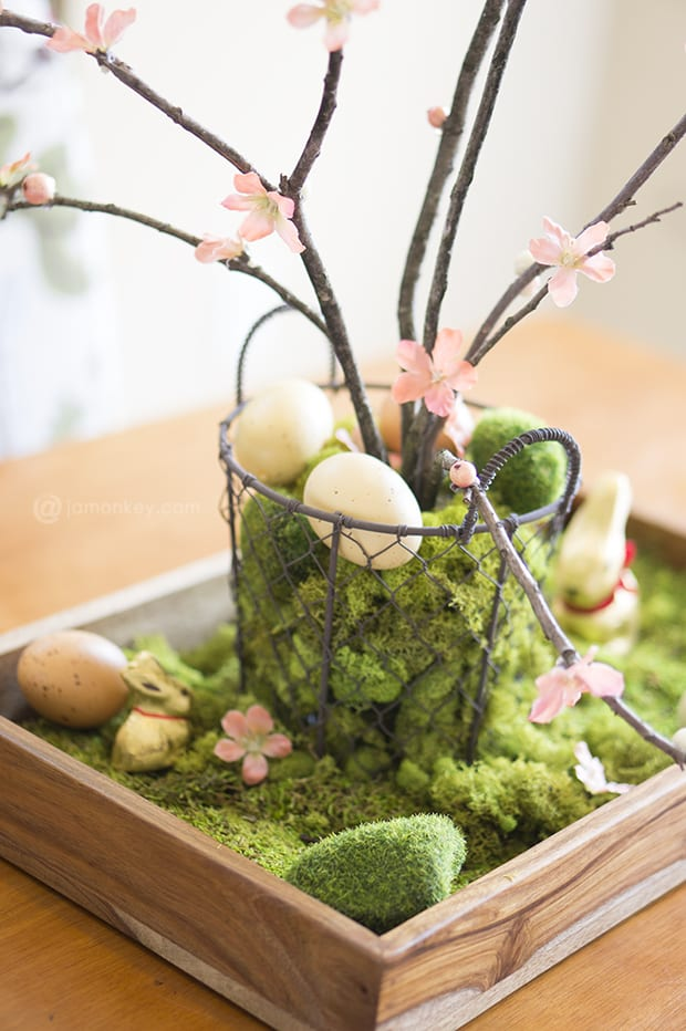 DIY Natural Easter Table Centerpiece