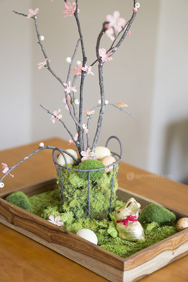Diy natural easter table centerpiece jamonkey Natural decorating