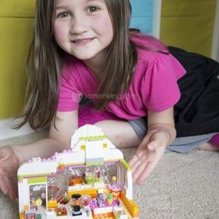 Letting Girls Build Their Creativity