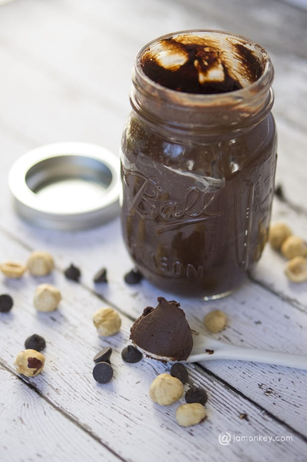 Homemade Skinny Hazelnut Chocolate Spread