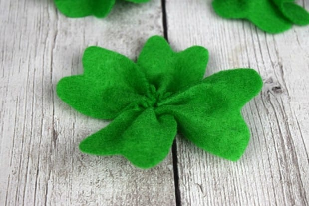 DIY Felt Four Leaf Clover1