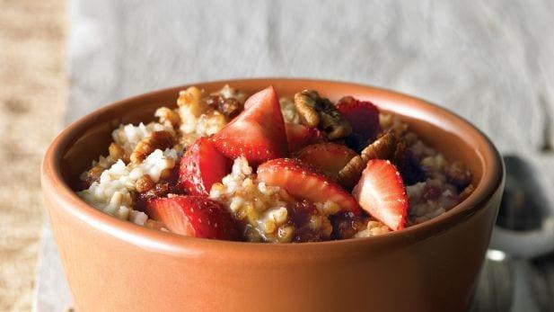 steel-cut-oatmeal-strawberries-pecans.desktop