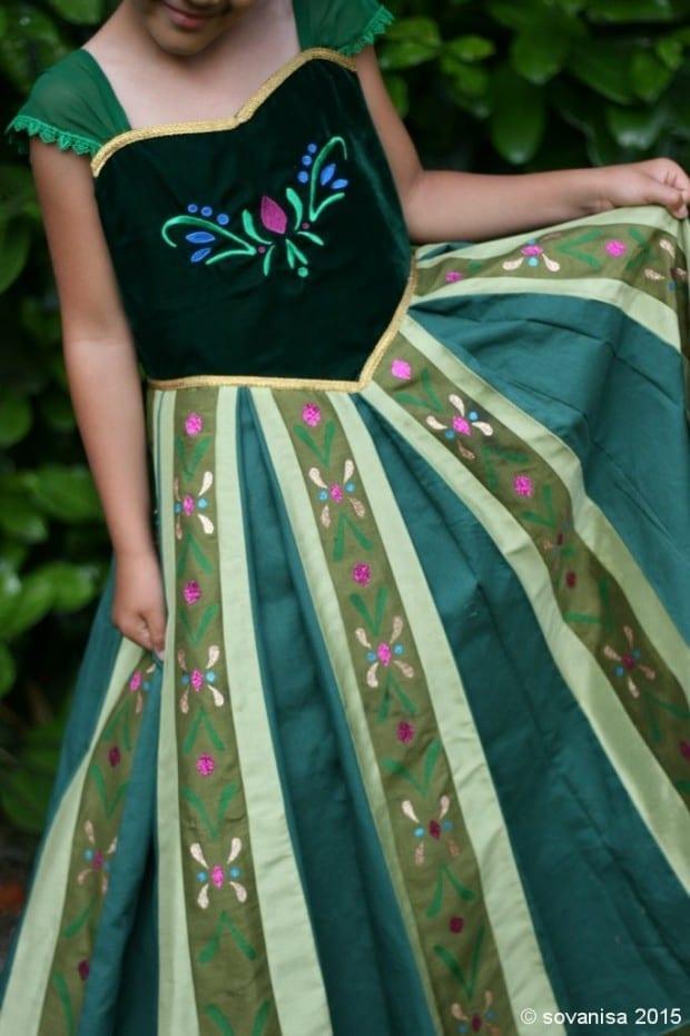 DIY Disney Frozen Anna Costume
