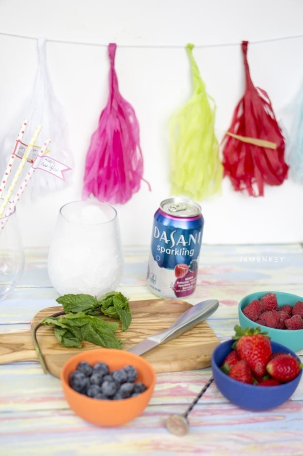 Very Berry Mint Sparkling Mocktail