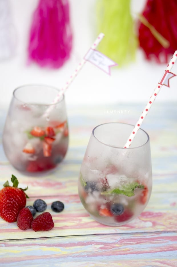 Very Berry Mint Sparkling Mocktail