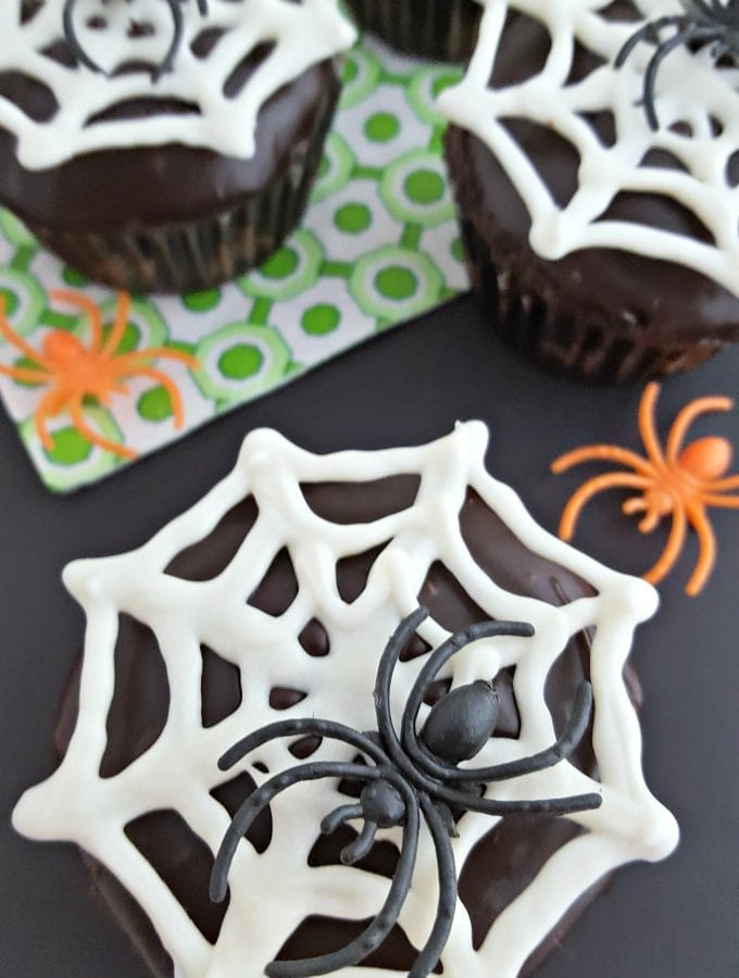 Chocolate Spider Cupcakes - Free Template Download