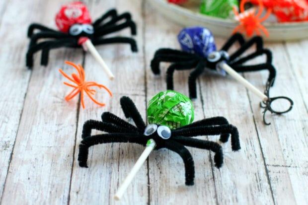 Spooky Spider Lollipops Halloween Craft