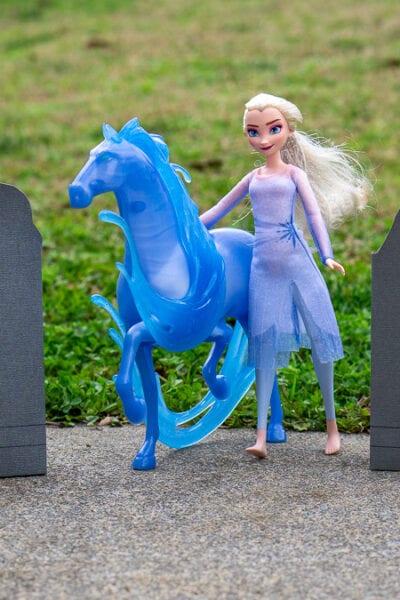 Frozen 2 Monolith Luminaries