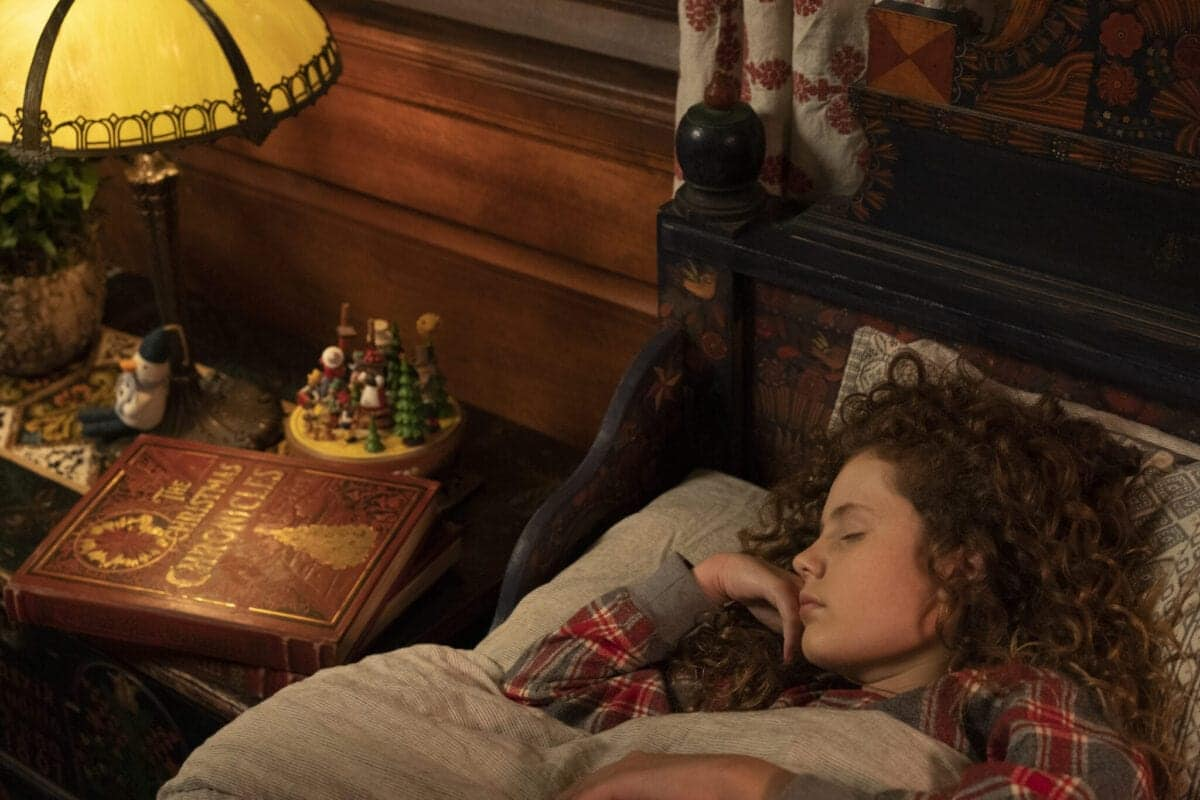 THE CHRISTMAS CHRONICLES: PART TWO (L to R) DARBY CAMP as KATE in THE CHRISTMAS CHRONICLES: PART TWO.